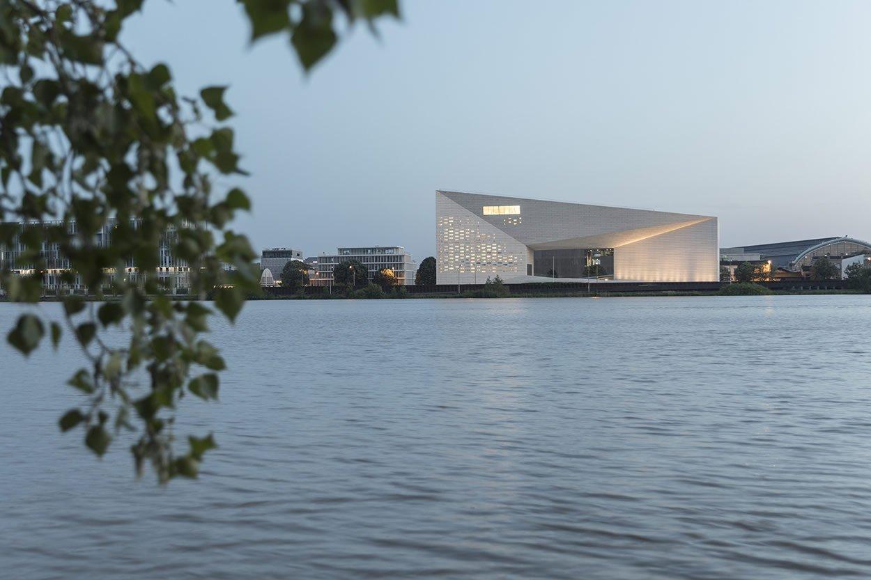 Bordeaux, History & Contemporary Art Jewels